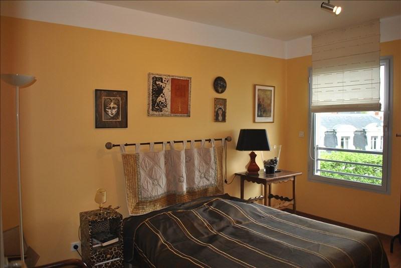 Deluxe sale apartment Roanne 385000€ - Picture 5