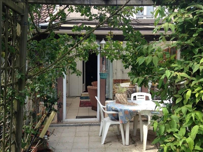 Sale house / villa Poissy 310000€ - Picture 1