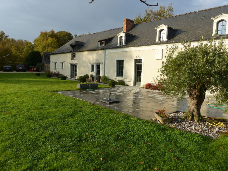 Deluxe sale house / villa Angers 30 mn nord 535 000€ - Picture 1
