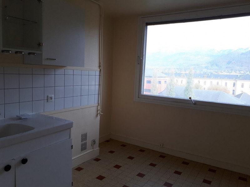 Rental apartment Annecy 779€ CC - Picture 2