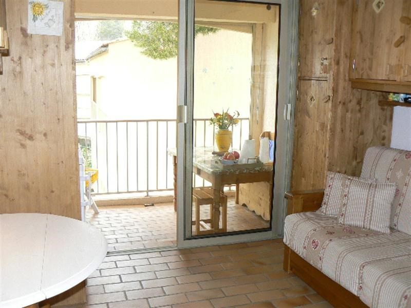 Vacation rental apartment Sanary sur mer 360€ - Picture 2