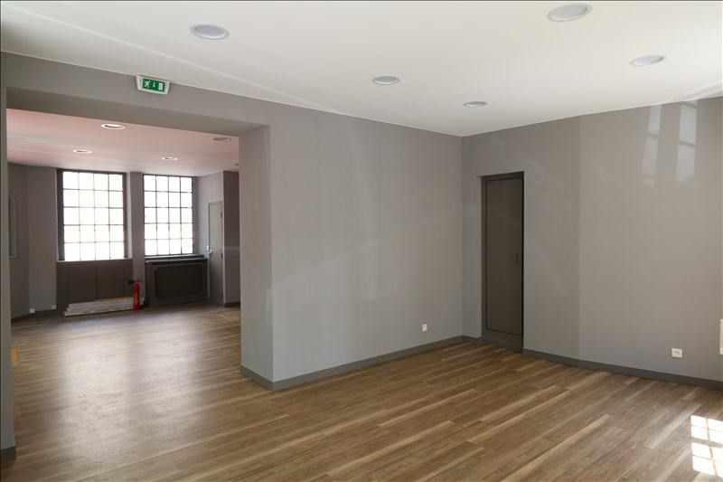 Location local commercial Versailles 1700€ +CH - Photo 2
