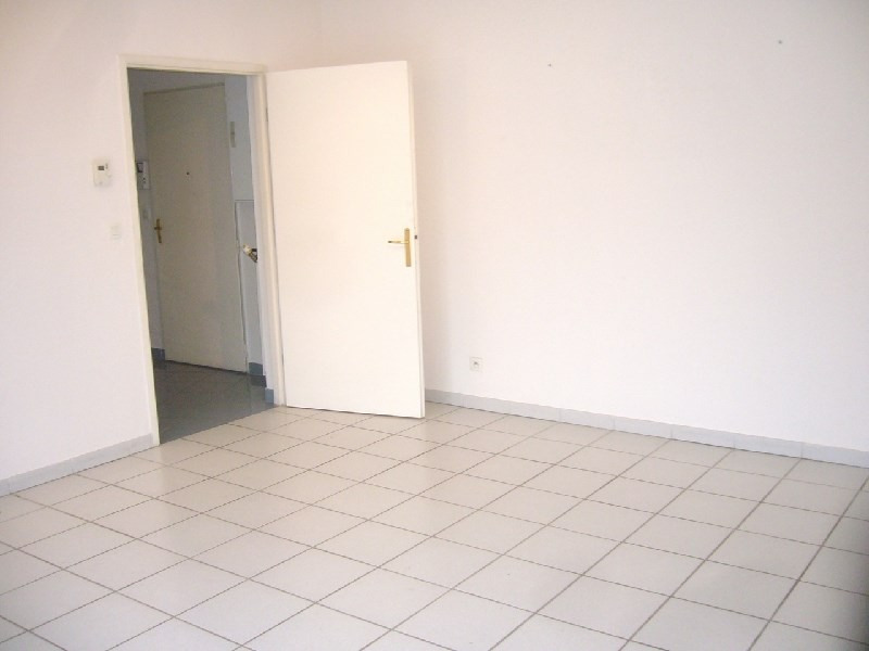 Rental apartment Lyon 3ème 995€ CC - Picture 3