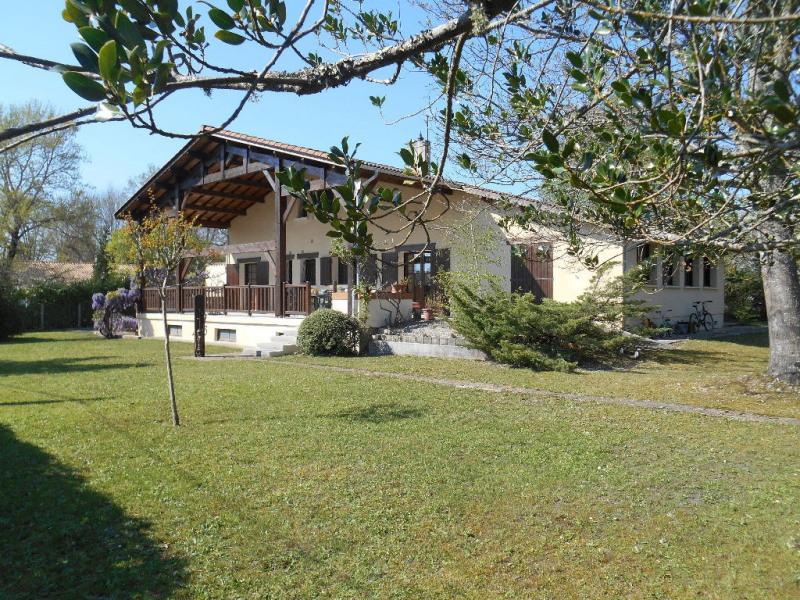 Sale house / villa Secteur la brede 422000€ - Picture 1