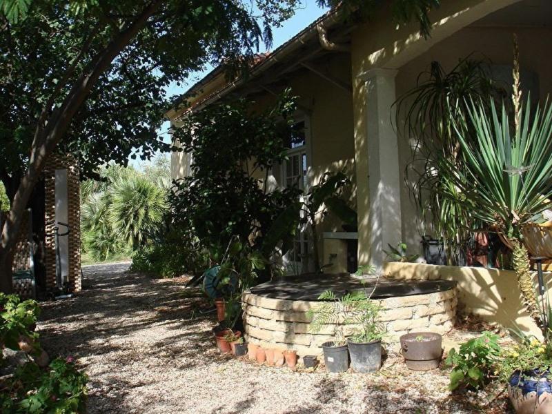 Deluxe sale house / villa La crau 645000€ - Picture 1