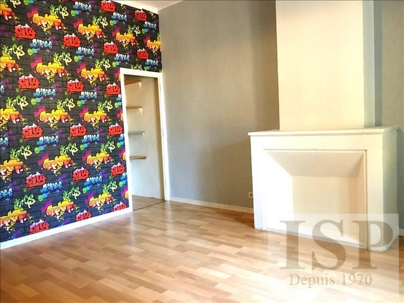 Rental apartment Les milles 923€ CC - Picture 2