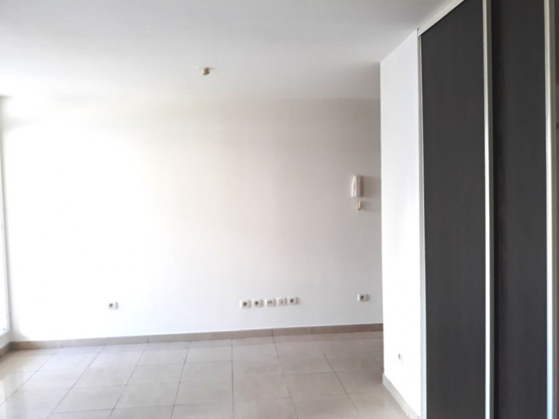 Sale apartment Saint denis 45500€ - Picture 1