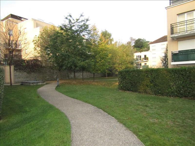 Location appartement Pontoise 740€ CC - Photo 10