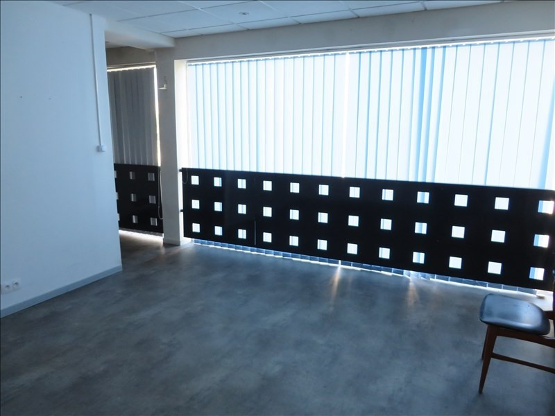 Location local commercial Montpon menesterol 112€ +CH/ HT - Photo 2