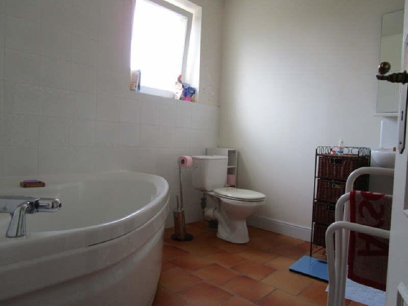 Sale house / villa Blaye 193000€ - Picture 8