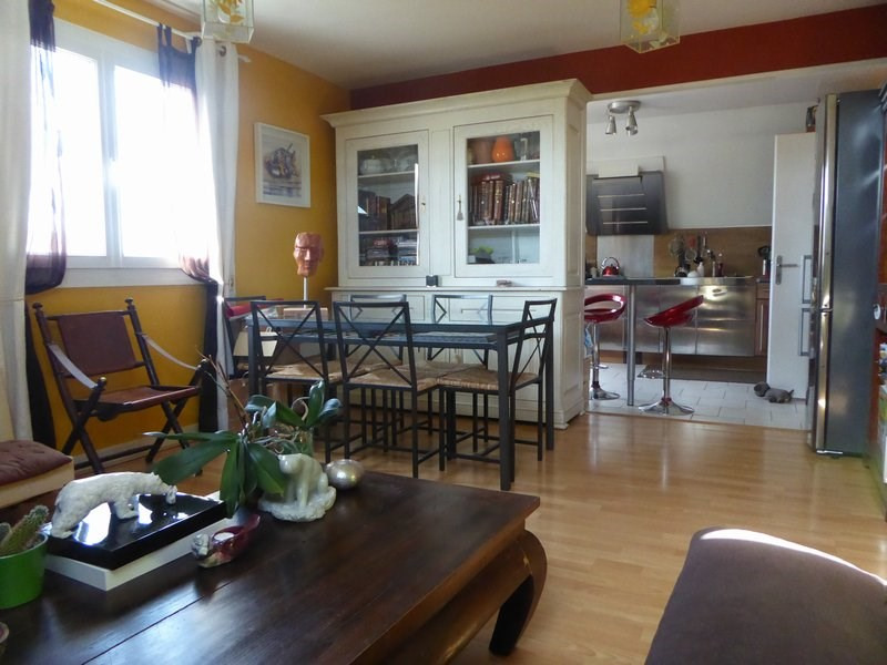 Sale apartment Maurepas 246000€ - Picture 1