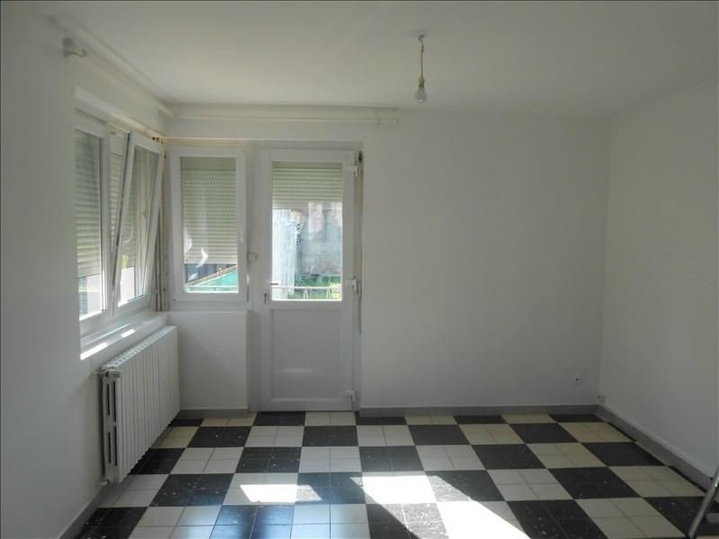 Rental house / villa St quentin 740€ CC - Picture 3