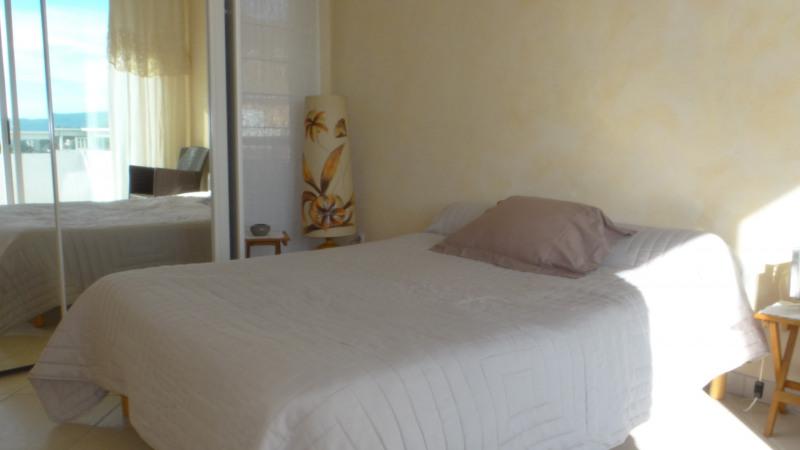 Location vacances appartement Cavalaire 750€ - Photo 9