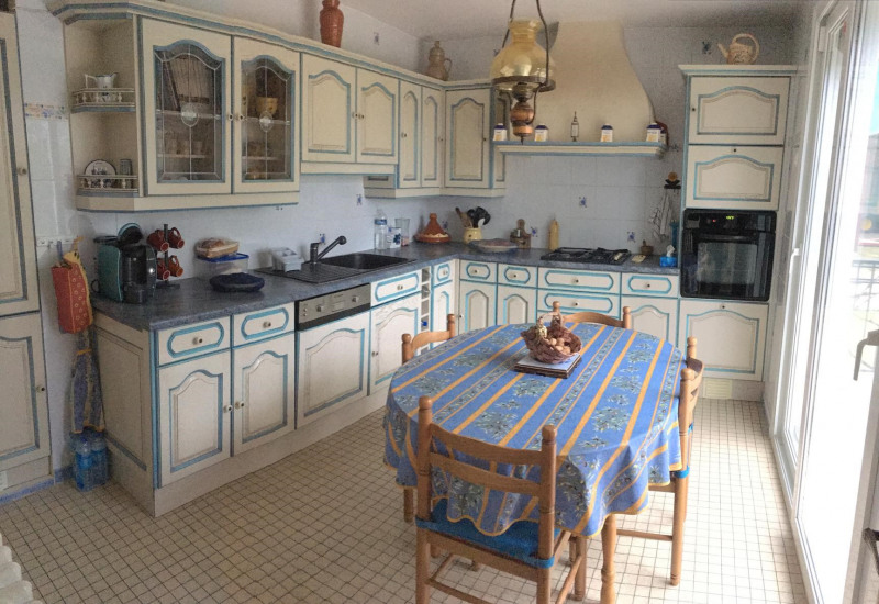 Sale house / villa Châlons-en-champagne 219500€ - Picture 2