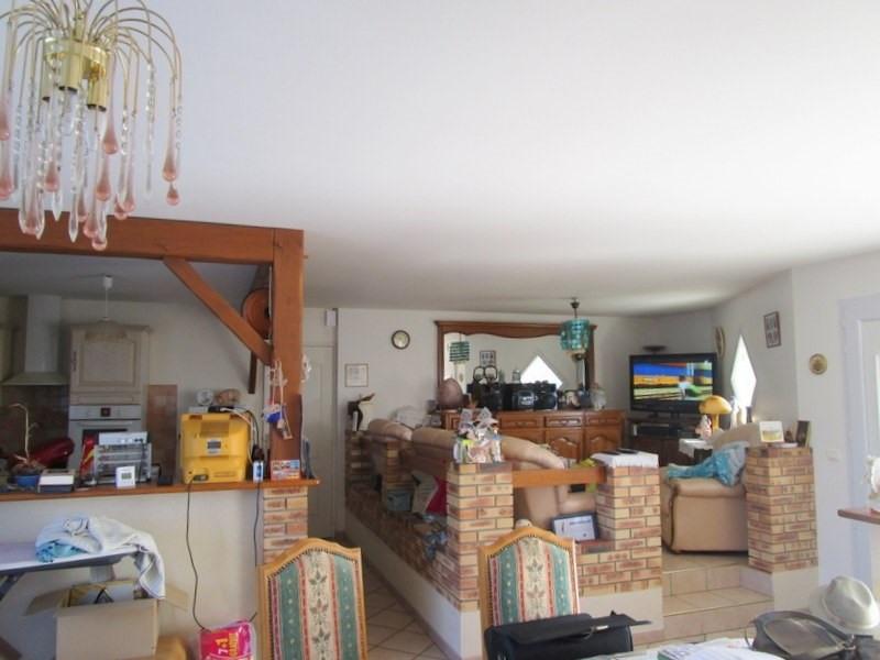 Sale house / villa Bussac foret 173000€ - Picture 4