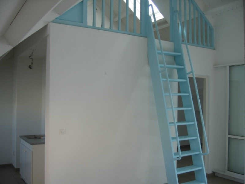 Rental apartment Ste anne 620€ CC - Picture 5
