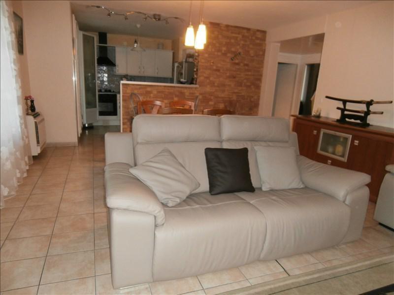 Sale apartment Manosque 152000€ - Picture 2