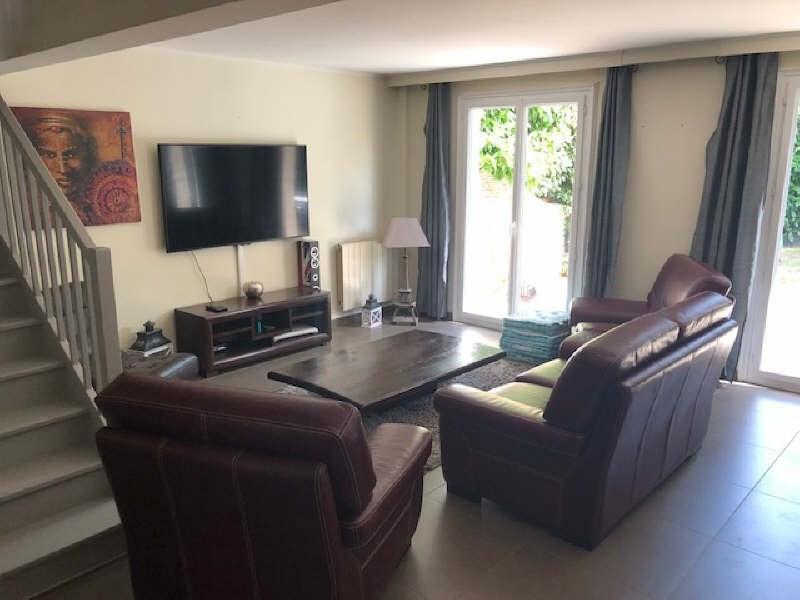 Sale house / villa Lesigny 380000€ - Picture 1