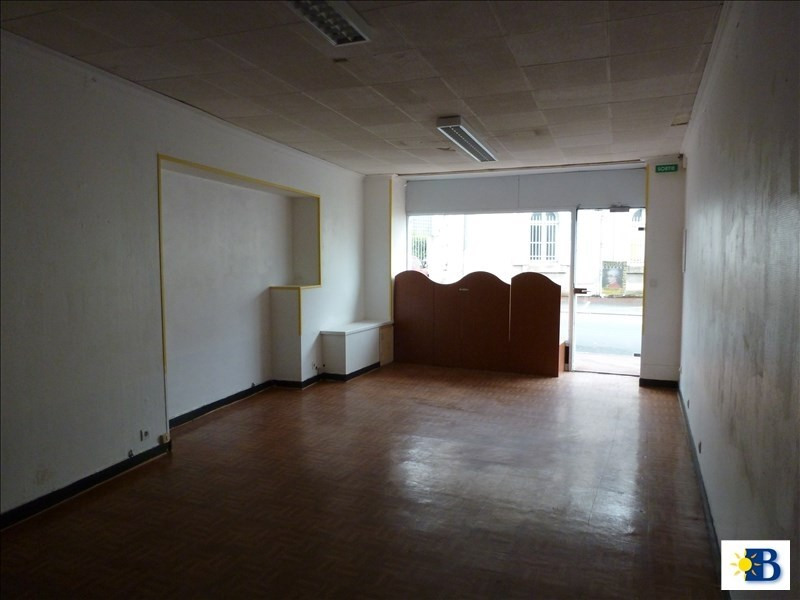 Location local commercial Chatellerault 400€ HT/HC - Photo 1