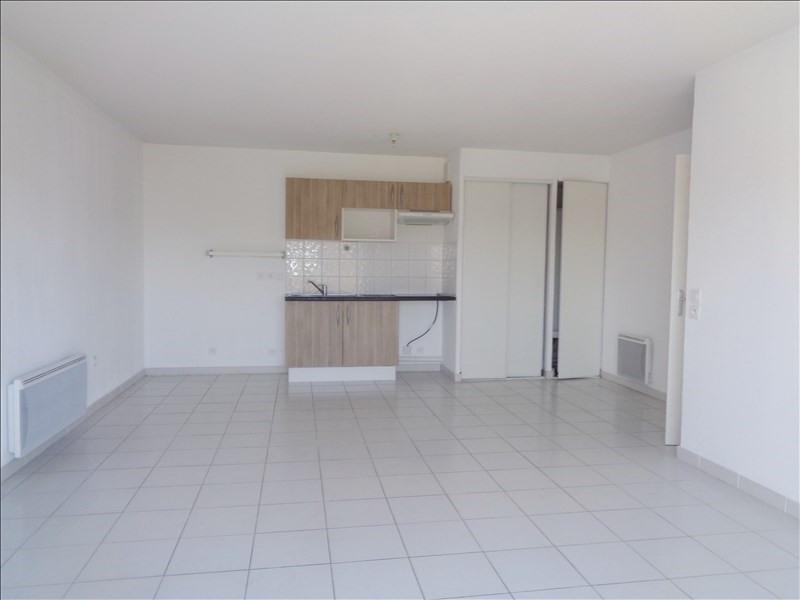Location appartement Seyne sur mer 739€ CC - Photo 2