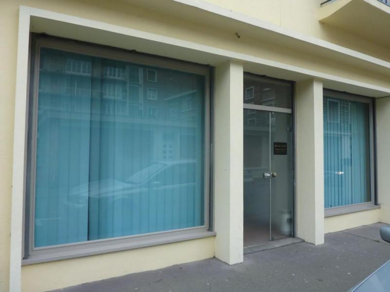 Location local commercial Lisieux 811€ CC - Photo 1