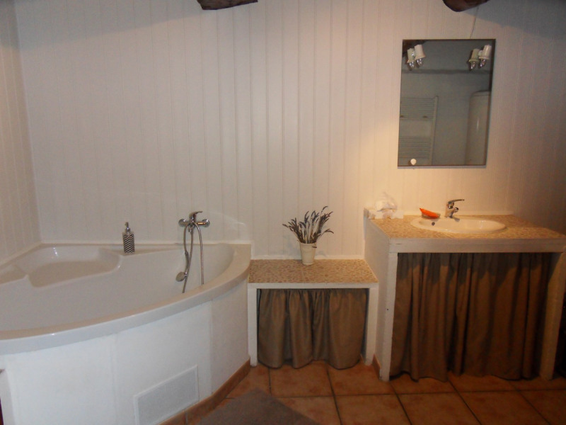 Vente maison / villa Althen des paluds 420000€ - Photo 7
