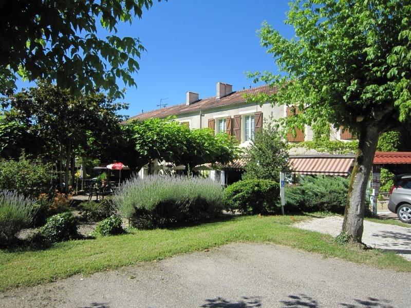 Sale house / villa Lavardac 380000€ - Picture 1