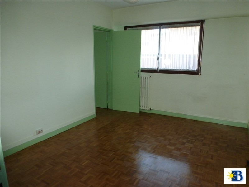 Location local commercial Chatellerault 550€ HT/HC - Photo 1