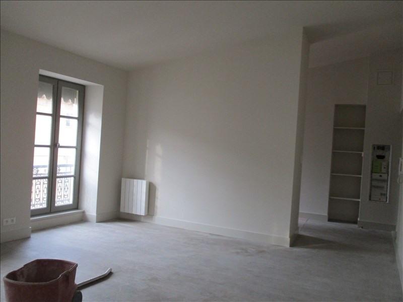 Verhuren  appartement Nimes 586€ CC - Foto 3