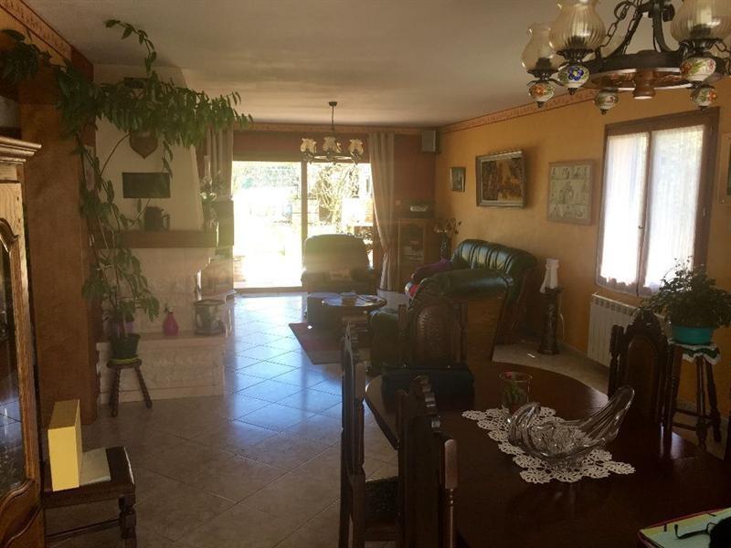 Sale house / villa Bulles 330000€ - Picture 6
