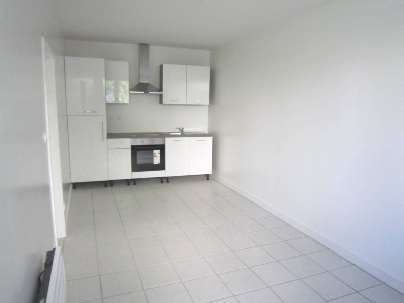 Location maison / villa Bourg-charente 650€ CC - Photo 2