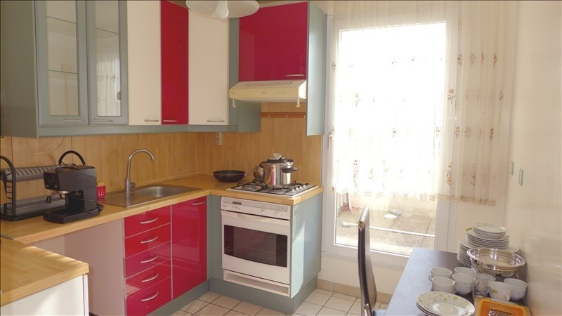 Sale apartment Bondy 219000€ - Picture 2