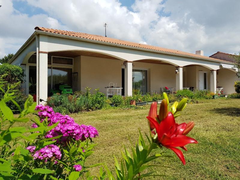 Sale house / villa Chateau d olonne 315000€ - Picture 1