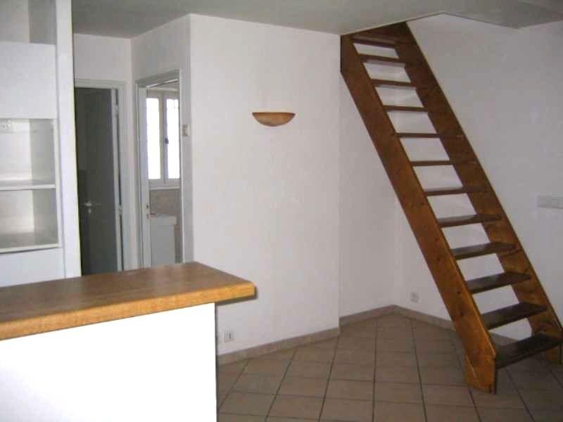 Location appartement Aubenas 481€ CC - Photo 4
