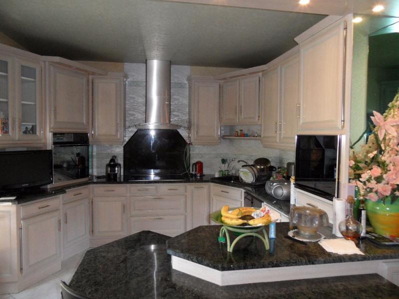 Sale house / villa Change 427480€ - Picture 3