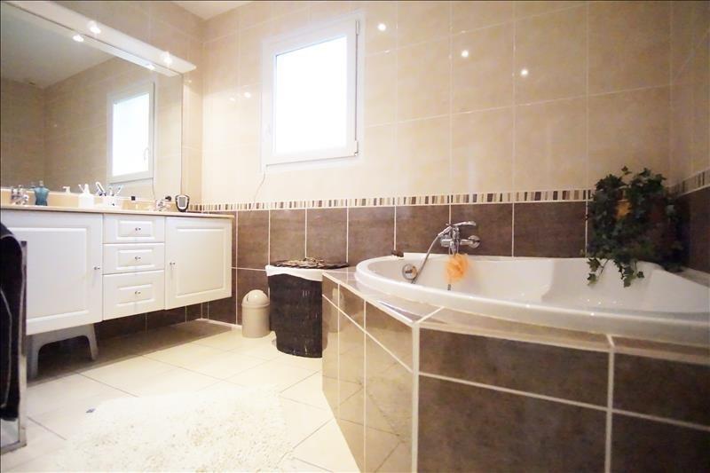 Sale house / villa Monein 265000€ - Picture 4