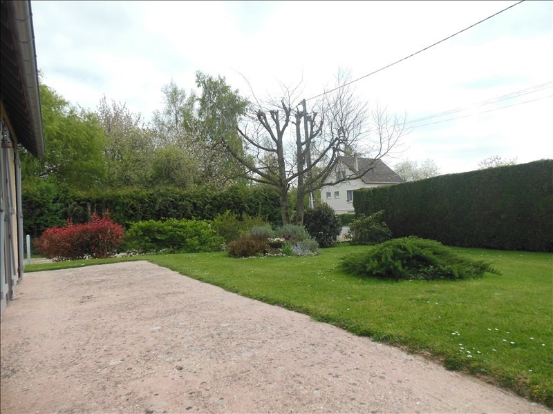 Sale house / villa Montmain 220000€ - Picture 3