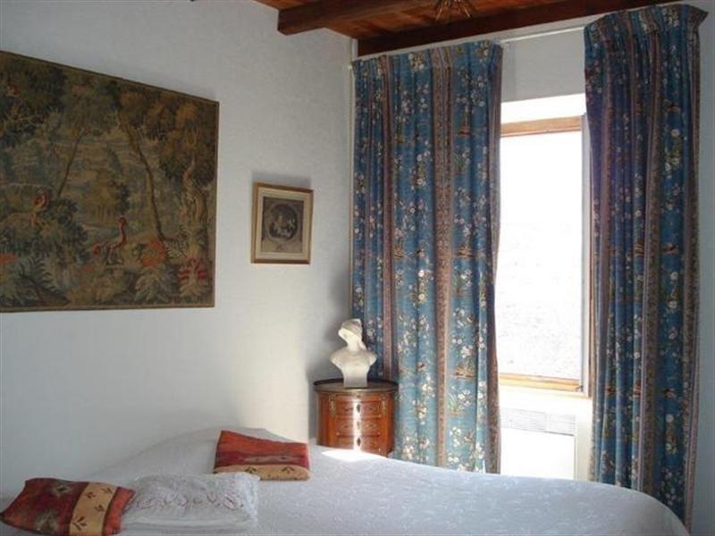 Sale house / villa Saint-jean-d'angély 299000€ - Picture 6