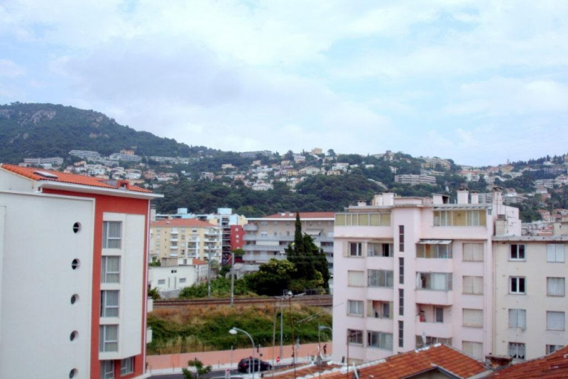 Location appartement Nice 965€ CC - Photo 8