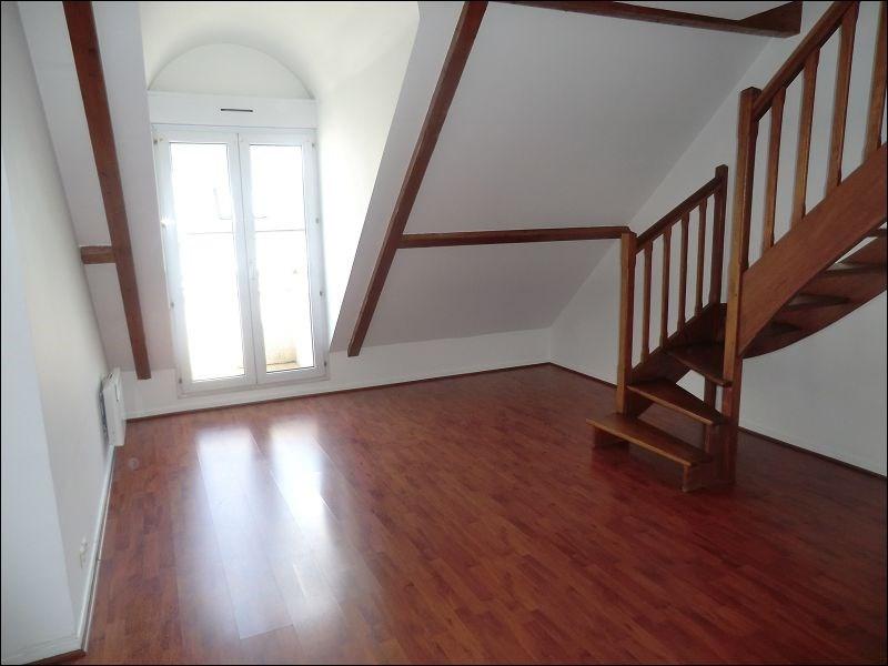 Rental apartment Ablon sur seine 853€ CC - Picture 1