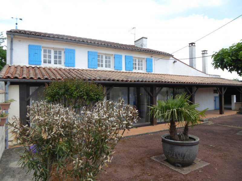 Vente maison / villa Burie 117480€ - Photo 1