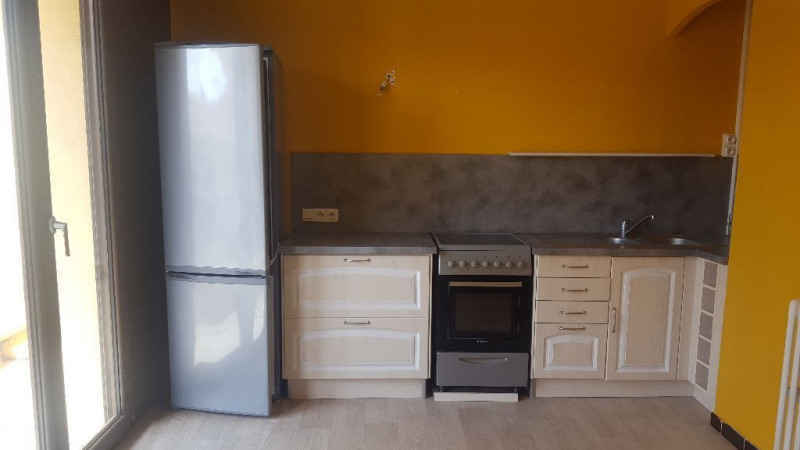 Sale apartment Hyeres  - Picture 1