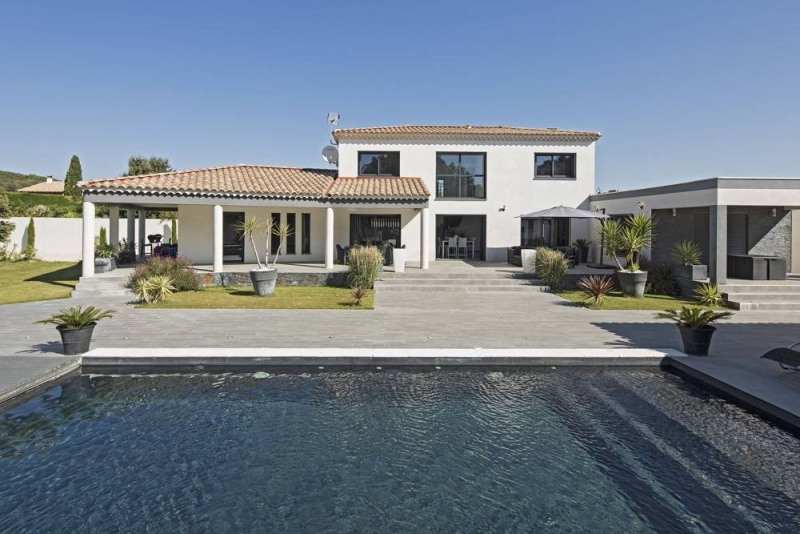 Deluxe sale house / villa Domazan 880000€ - Picture 1