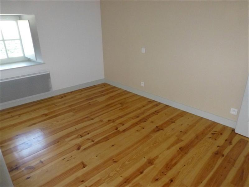 Rental apartment Saint-jean-d'angély 530€ CC - Picture 3