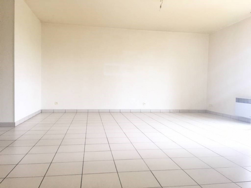 Location appartement Saint-andre-de-cubzac 722€ CC - Photo 3