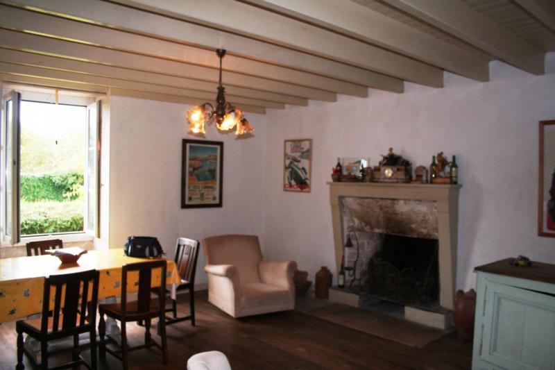 Sale house / villa Chef-boutonne 60500€ - Picture 14