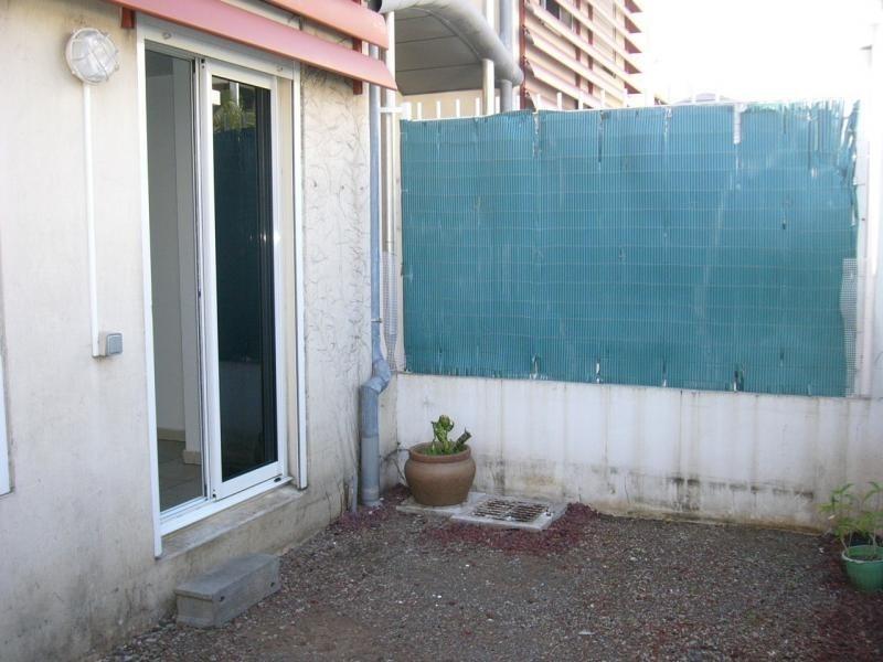 Location appartement St denis 721€ CC - Photo 5
