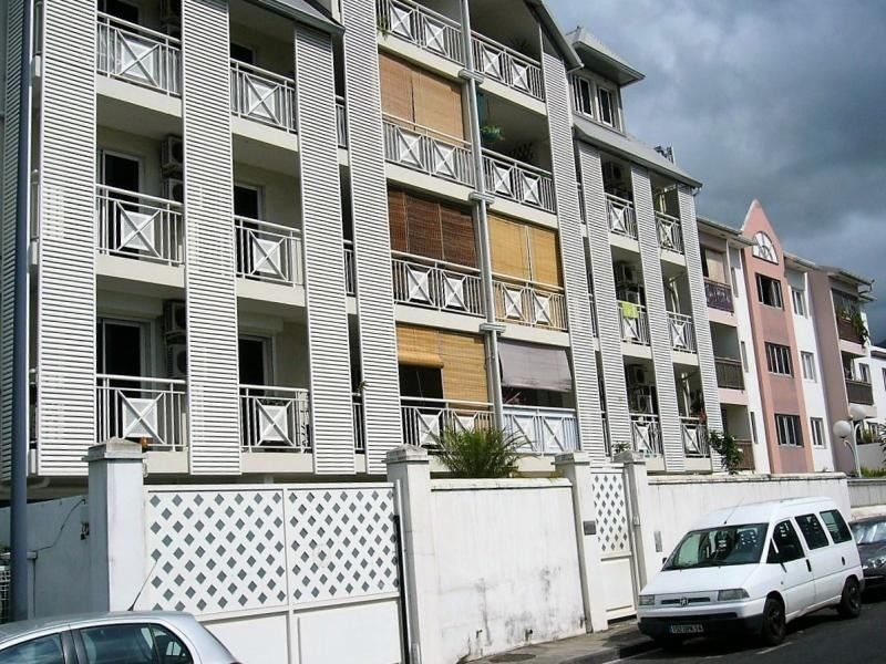 Rental apartment St denis 1 229€ CC - Picture 1