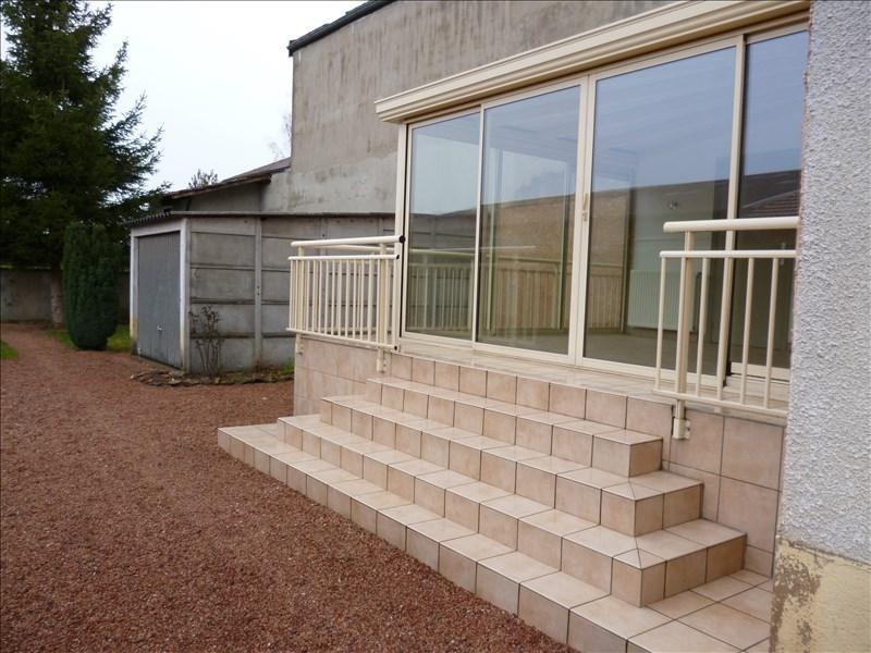 Rental house / villa Riorges 670€ CC - Picture 1