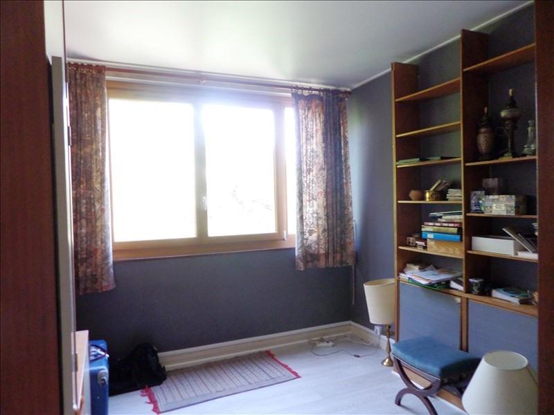 Sale apartment La celle st cloud 310000€ - Picture 5